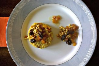 533261df 915e 4364 946b 0035b0cc3b5a  curry quinoa pilaf with roasted butternut squash and raisin mix