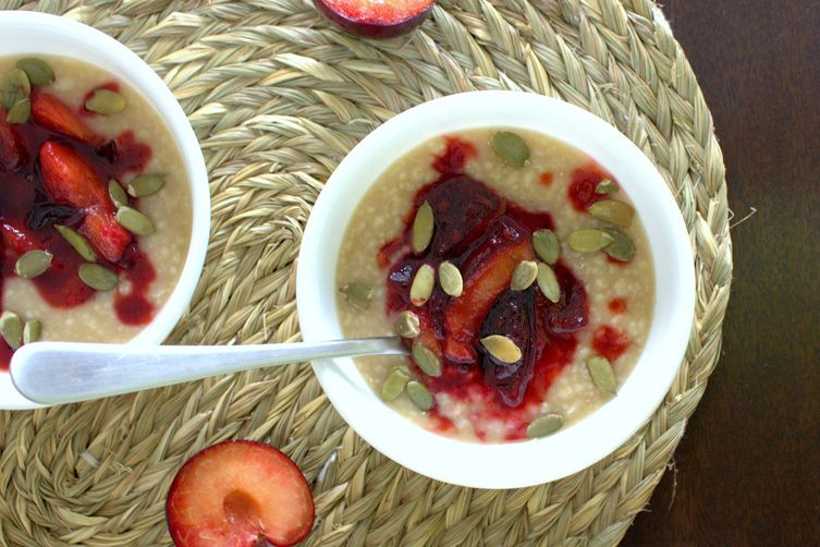 OATMEAL WITH SPICED PLUMS