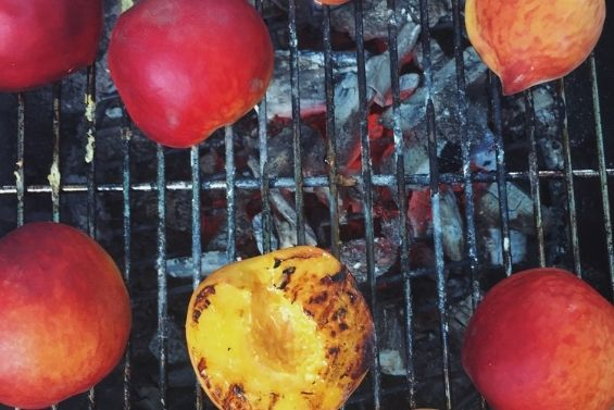 Grilled Peaches with Marscapone