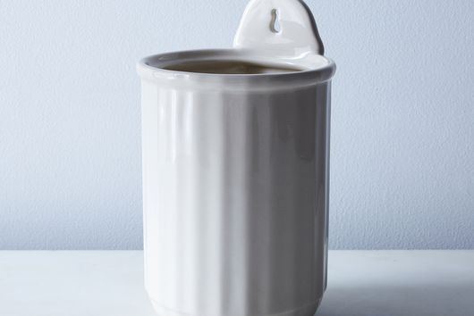 Fluted Wall Utensil Crock