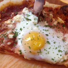 Shakshuka Pizza