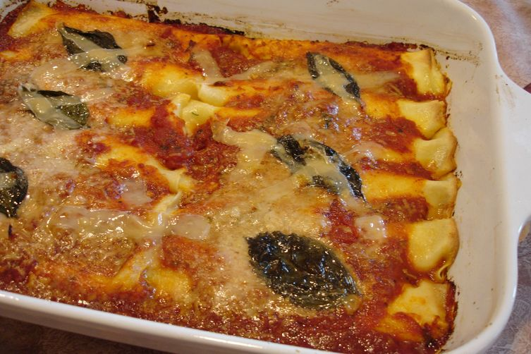 Melt-In Your Mouth Stuffed Spinach Manicotti with Fresh Marinara Sauce