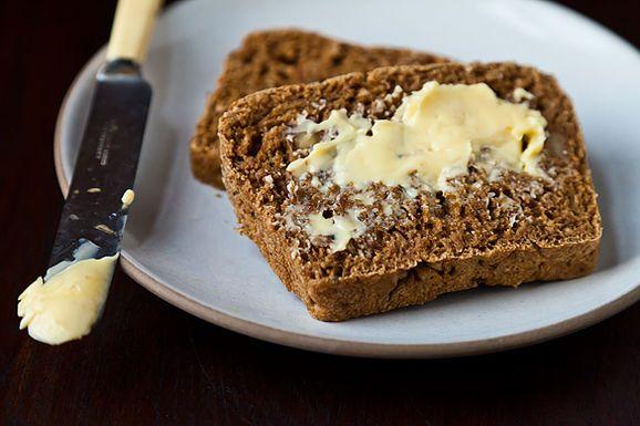 walnut-sage andama bread