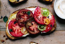 044497e2 ed46 4fb7 87ce c1454141e57e  tomato sandwich 9549 680x453