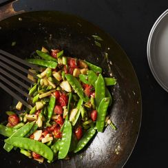 How to Make a Superlative Stir-Fry (Hint: Grab Your Wok)