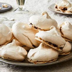 "These 3-Ingredient Chewy Chocolate Meringues Are ""Stupendously Good"""