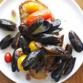 Bce113c7 cb5d 4e65 82f0 cc0fba7b1eba  roasted mussels f52