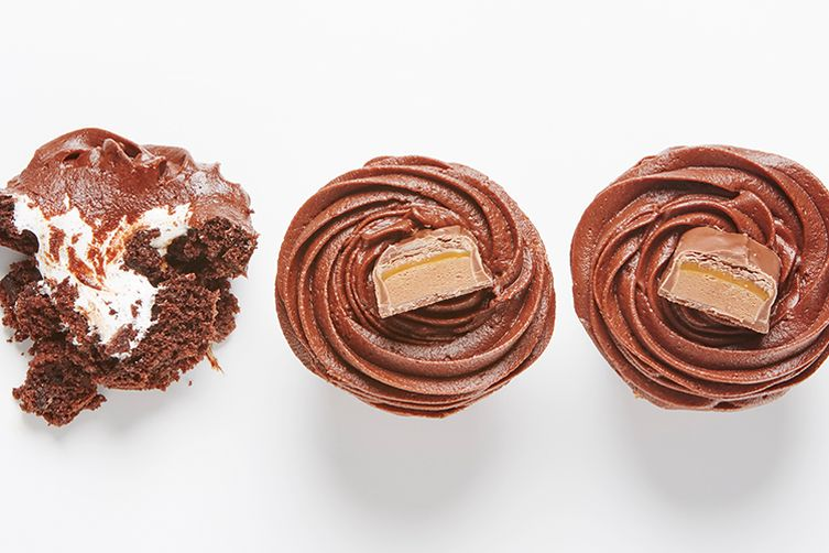 Stuffed-With-Fluff Mars Bar Cupcakes