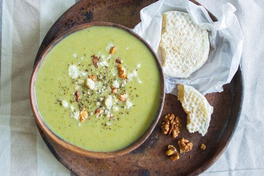 CREAMY BROCCOLI SOUP (without the cream!)