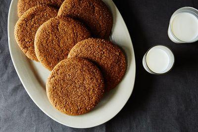 D896243e c567 4dfb 955e 57c2810e5cf6  2015 0303 molasses clove cookies 023