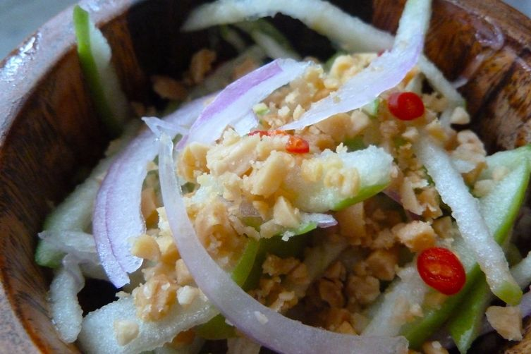 Rejuvenating Balinese Green Apple Salad