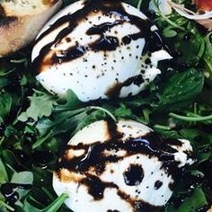 BOURBON-SOAKED GRILLED PEACHES WITH BURRATA AND PROSCIUTTO