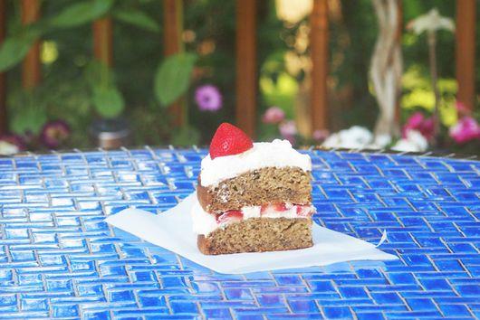 Banana Bread Strawberry Shortcake Cake