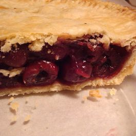 Cherry Contrary Pie (with Sweet Cherries)