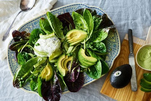 12 Big, Hearty Salad Recipes That Hold Their Own As Dinner