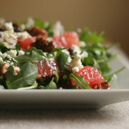 26b90cdd b1e2 4eb9 a85b 5a985b022f31  arugula salad close up