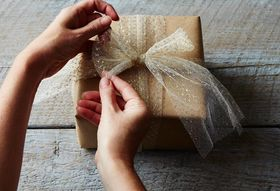 The Best Ways to Wrap Holiday Gifts