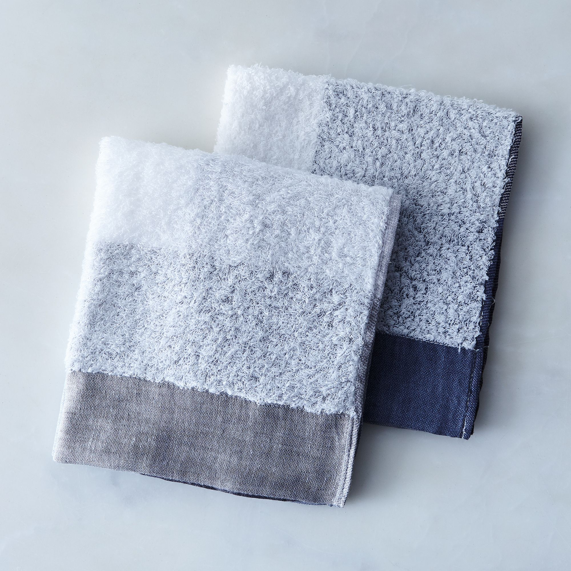 264ee7e1 701f 4b46 8d03 116c25203781  2017 0404 morihata international linen and cotton blend colorblock towels grey washcloth set of 2 rocky luten 0455