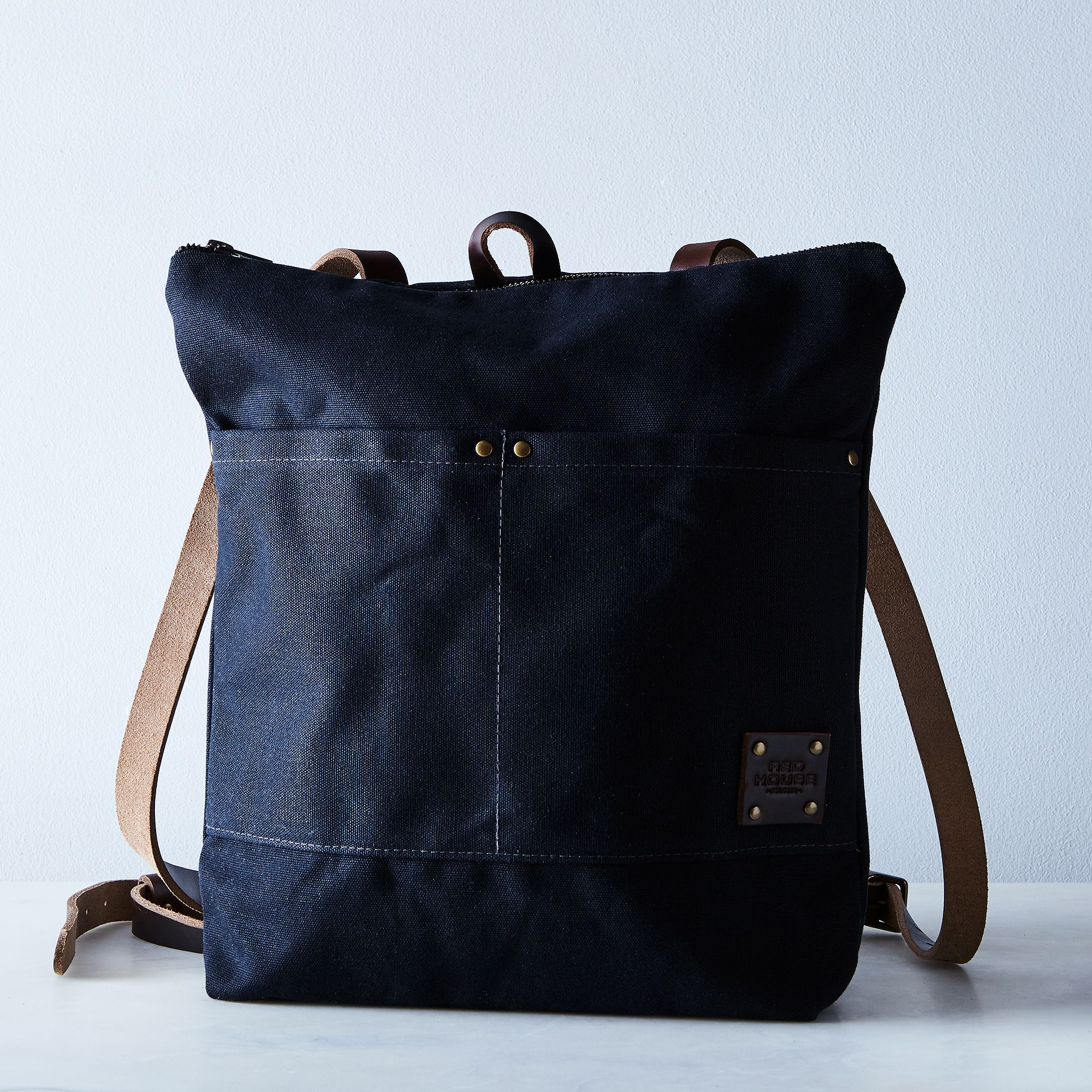 6342397b 7e58 4d96 b599 6d9882431225  2017 0719 red house waxed canvas backpack black silo rocky luten 010
