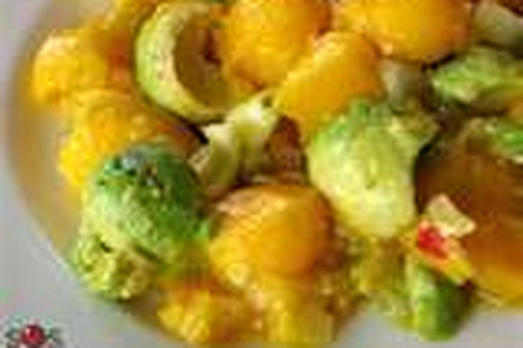 Avocado, Mango and Escarole  Salad