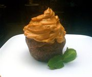 E7968e22 7f61 492b b4be 45957cd7cea6  thai tea cupcake