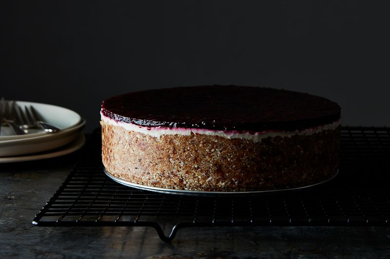 9daa27d2 e0e4 43a7 938d 29a441f856c8  2016 0823 raw berry and vanilla bean vegan cheesecake mark weinberg 292 6 Summery Sweets to Make Immediately—& Without Turning on the Oven
