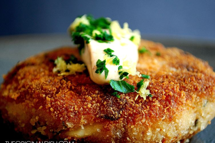 Crab Cakes with Chipotle Lemon Mayo