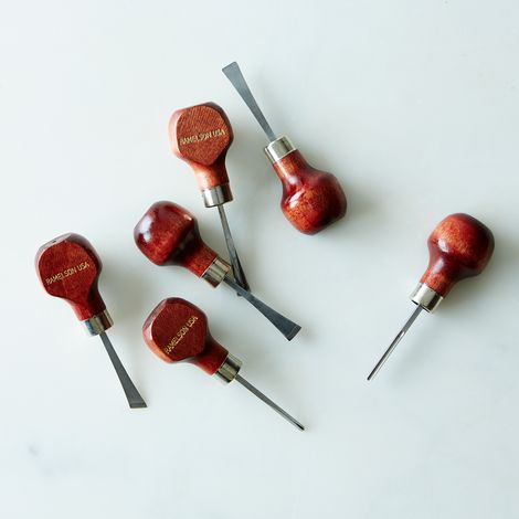 Hand-Held Carving Set