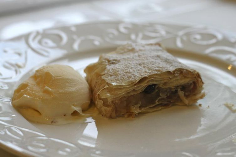 Desanka's Simple Apple Strudel