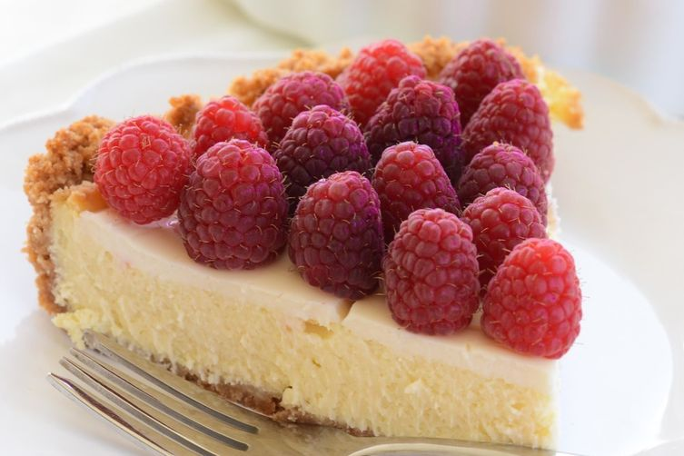 Mamma Linda's Cheesecake with Fresh Raspberries