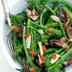 Broccolini Shiitake,Goji Sauté