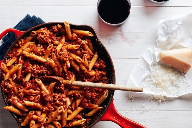 Pasta with 15-Minute Meat Sauce