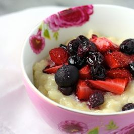 Vanilla Bean Rice Pudding with Roasted Berries