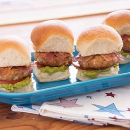 D47ec83b bbad 4627 a85a 203a7492522d  turkey bacon avocado sliders