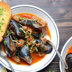 Wine & Garlic Mussels with Sausage