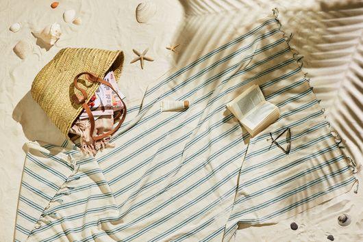 15 Beach Bag Essentials: Family Edition