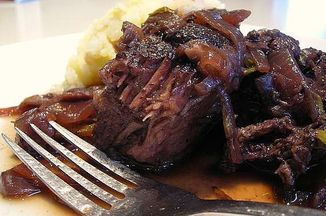 Aa2a4a5f c265 492d a8d9 7dd09ba7b38e  wine braised pot roast 007