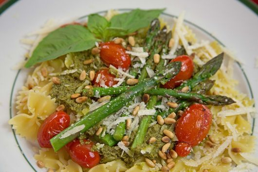 Asparagus and Cherry Tomatoes with Pesto on Farfalle Pasta