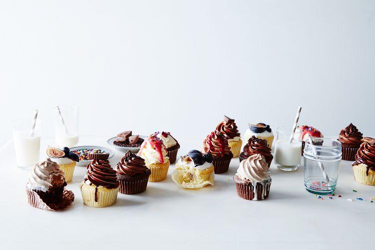 Basic Vanilla and Chocolate Cupcakes