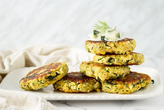 VEGAN ZUCCHINI FRITTERS WITH CUCUMBER RAITA