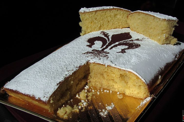 Tuscan Schiacciata alla Fiorentina (semi-sweet soft cake) – MEDIAEVAL Version