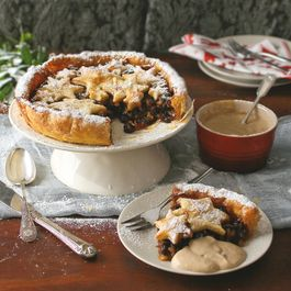 Mince pie tart with Christmas custard