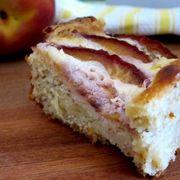 Ba97f84c 4778 43a7 9f6a 00b012974e4e  peach cake