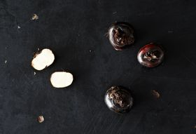 Fresh Water Chestnuts and 4 Ways to Cook With Them