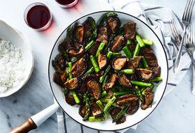 6f01e6c5 e388 4337 90c8 60b38f5d5f75  2018 0320 15 minute beef and asparagus stir fry 3x2 julia gartland 323