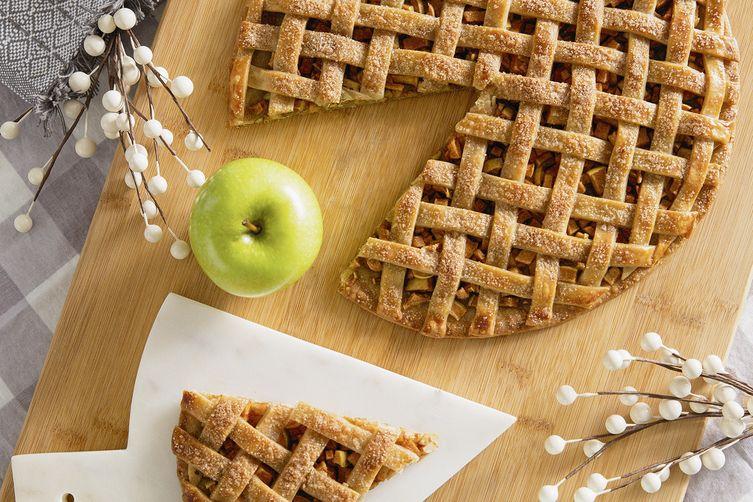 Rustic Apple Pie Pizza