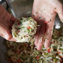 How to Make Any Crab Cakes in 5 Steps