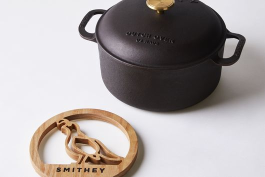 Smithey Cast Iron Dutch Oven, 5.5QT with Bonus Trivet