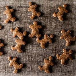 Vegan Gingerbread Cookies (and Baking Tips)
