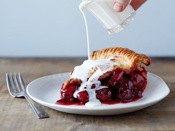 Twin Peaks' Kyle MacLachlan Makes a Damn Fine Cherry Pie